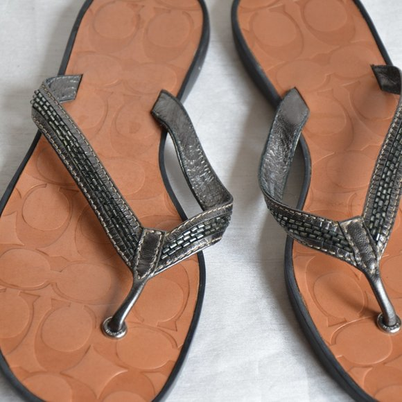 Coach leather beaded thong sandals sz7